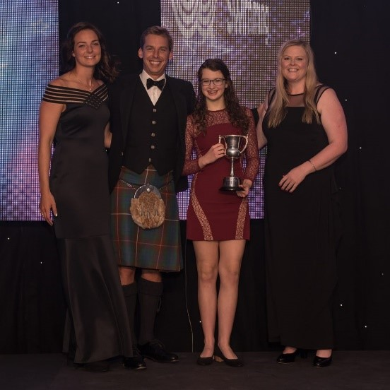 Niamh Synchro Swimmer of the Year 2017